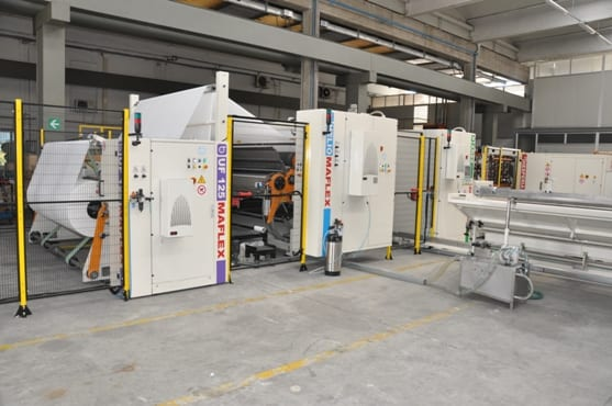 Maflex's continuos and fully automatic ARES line is able to produce both AfH and consumer rolls.